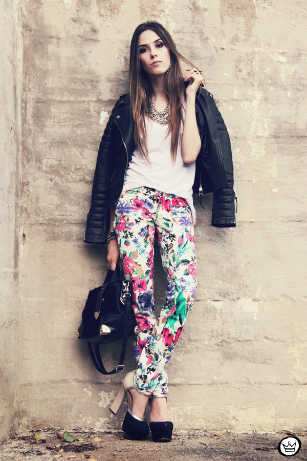 FashionCoolture 18.12.2012 floral pants Damyller leather  jacket Boda Skins Asos heels black outfit (1)