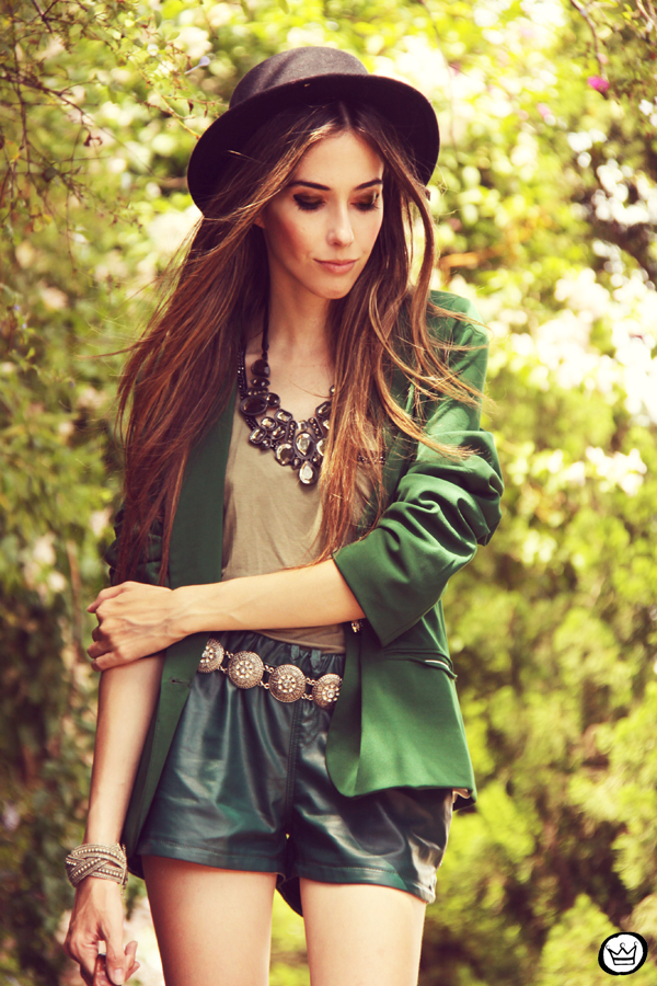 FashionCoolture 20.12.2012 green blazer SheInside vintage bag hat Asos high heels maxi necklace Rafaela Andrade (2)