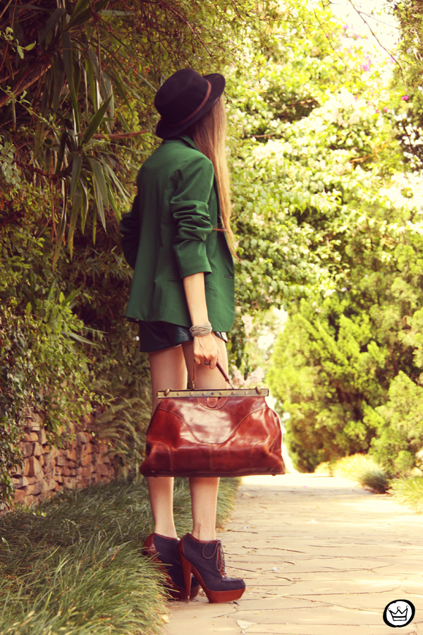 FashionCoolture 20.12.2012 green blazer SheInside vintage bag hat Asos high heels maxi necklace Rafaela Andrade (8)