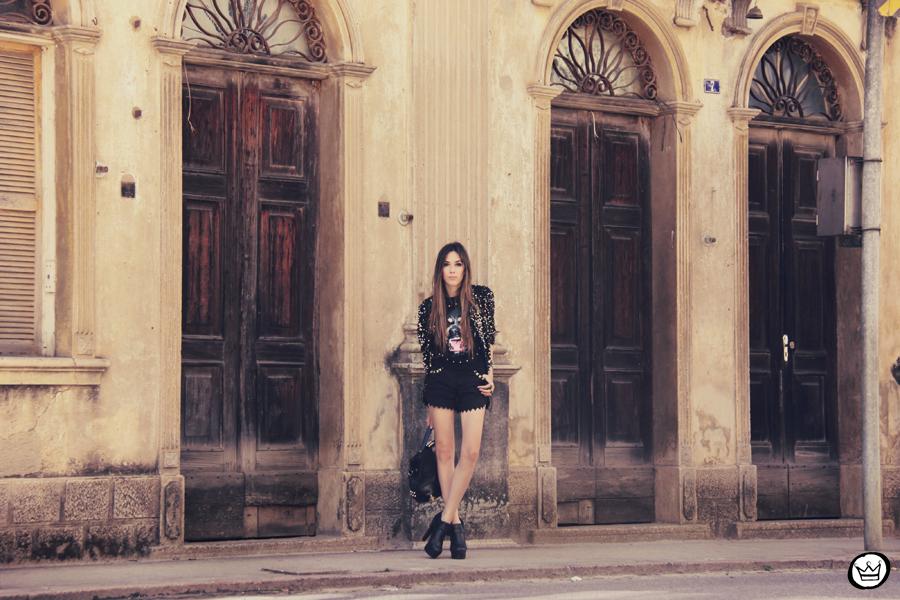FashionCoolture 23.12.2012 Choies t-shirt sequins coat Morena Raiz black outfit spikes Kafé bracelets Asos (7)