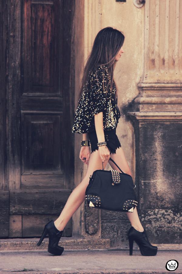 FashionCoolture 23.12.2012 Choies t-shirt sequins coat Morena Raiz black outfit spikes Kafé bracelets Asos 9