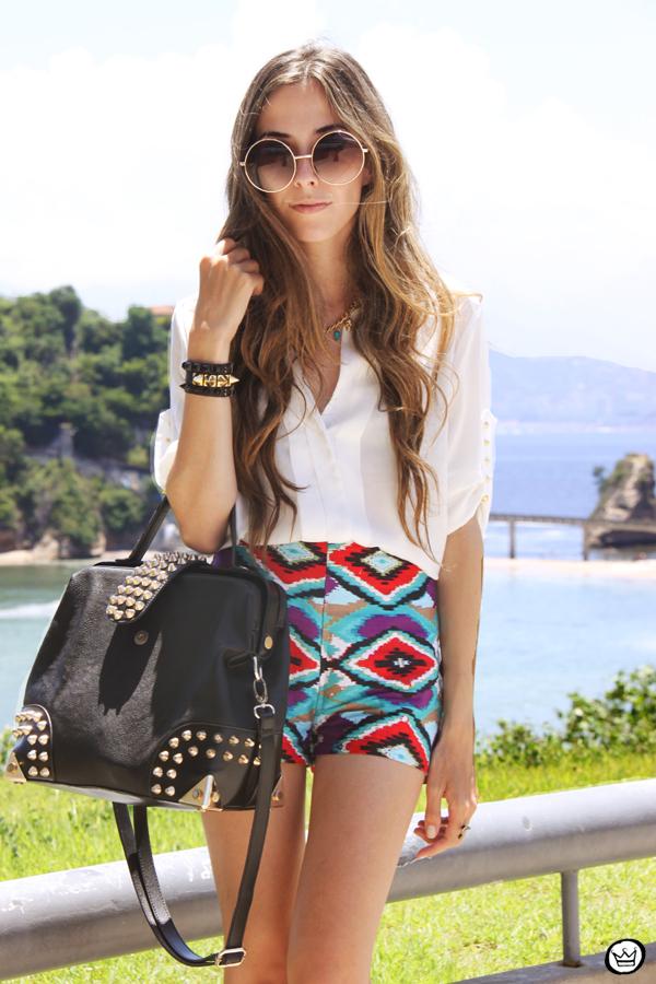 FashionCoolture 06.01.2013 look du jour Rio de Janeiro Labellamafia shirt ethnic pattern hair rounded sunglasses Kafé (1)