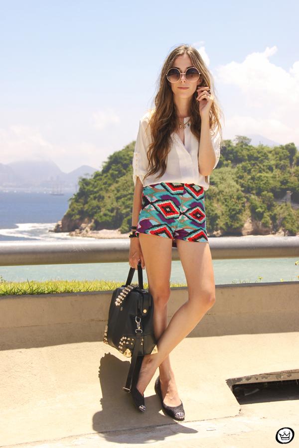 FashionCoolture 06.01.2013 look du jour Rio de Janeiro Labellamafia shirt ethnic pattern hair rounded sunglasses Kafé (3)