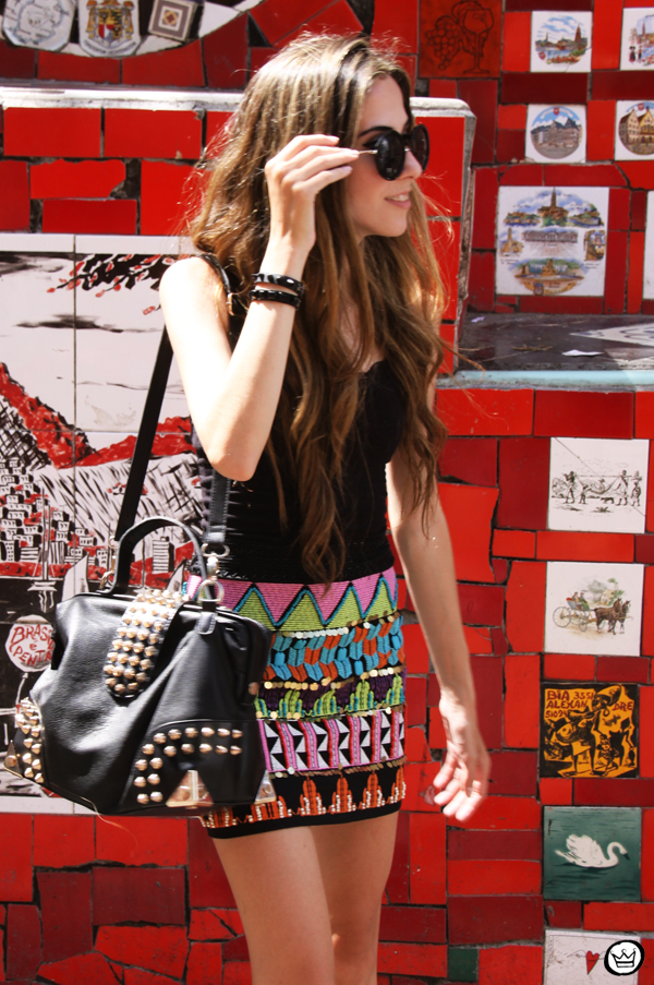 FashionCoolture - 07.01.2013 look du jour ethnic beaded skirt Rio de Janeiro Lapa Selaron hair (2)
