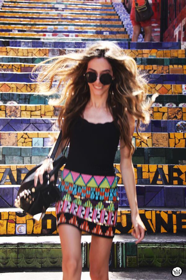 FashionCoolture - 07.01.2013 look du jour ethnic beaded skirt Rio de Janeiro Lapa Selaron hair (7)