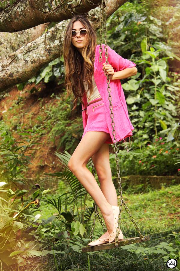 FashionCoolture 08.01.2013 look du jour pink suit blogger sunglasses Kafé bracelets hair (1)