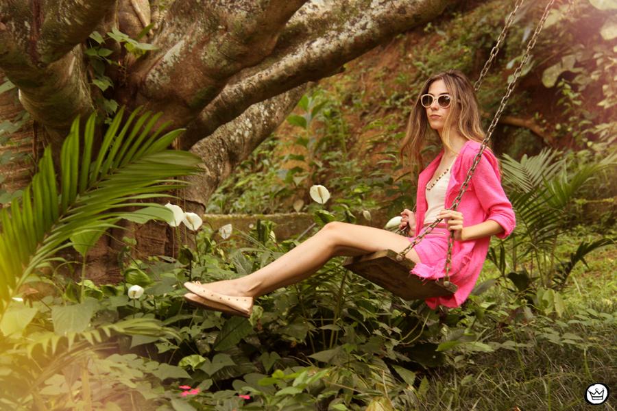 FashionCoolture 08.01.2013 look du jour pink suit blogger sunglasses Kafé bracelets hair (6)