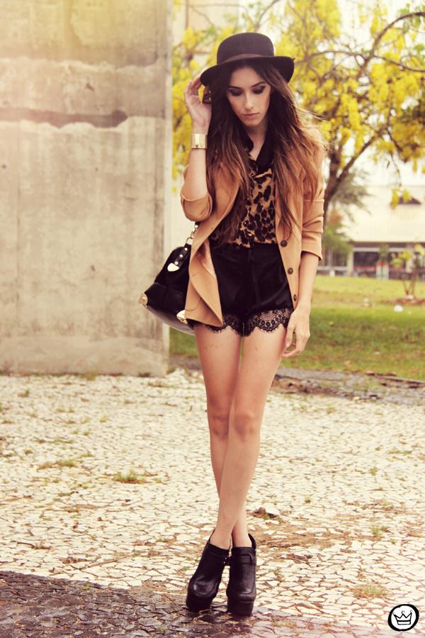 FashionCoolture 13.01.2013 look du jour Romwe shirt leopard lace shorts hat Asos (3)