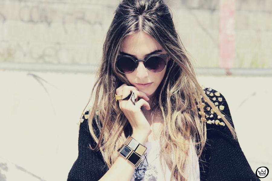 FashionCoolture - 14.01.2013 look du jour Aluska t-shirt skull sunglasses spiked studded Choies Kafé bracelets (2)