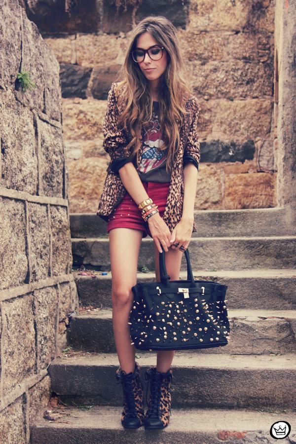 FashionCoolture - 16.01.2012 look du jour Romwe Awwdore Asos Kafé burgundy leopard blazer studded bag (1)