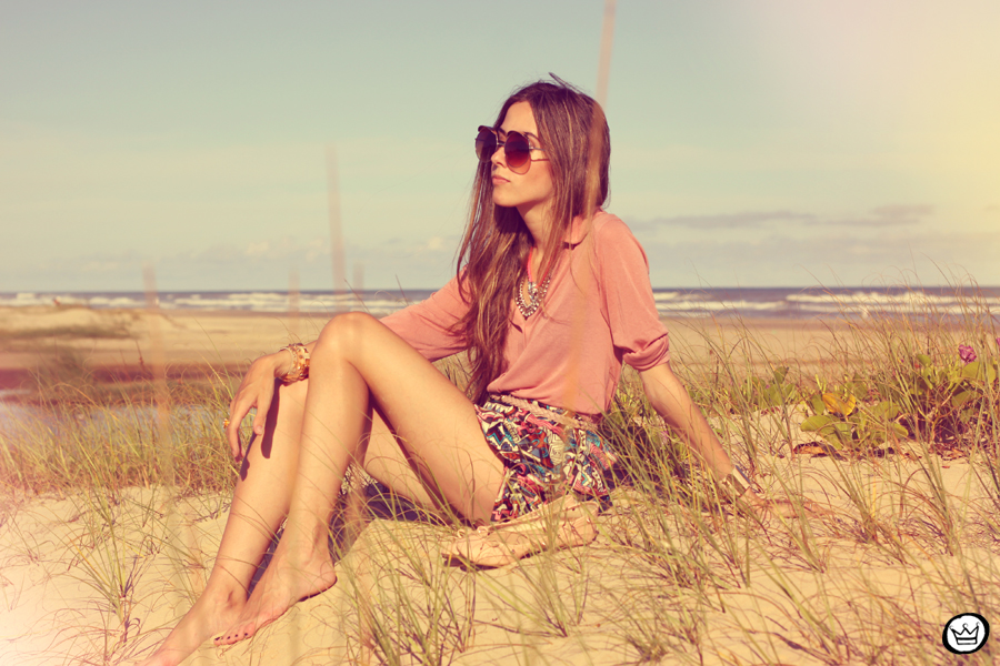 FashionCoolture - 18.01.2013 look du jour ethnic shorts beach summer outfit pattern Xiquita Bakana sunglasses rounded Kafé (8)