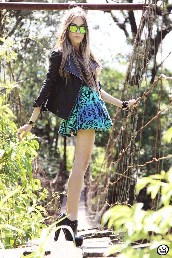 FashionCoolture - 22.01.2013 look du jour Furor ethnic skirt leather jacket Boda Skins neon Spektre sunglasses Asos boot Kafé braceletes (5)