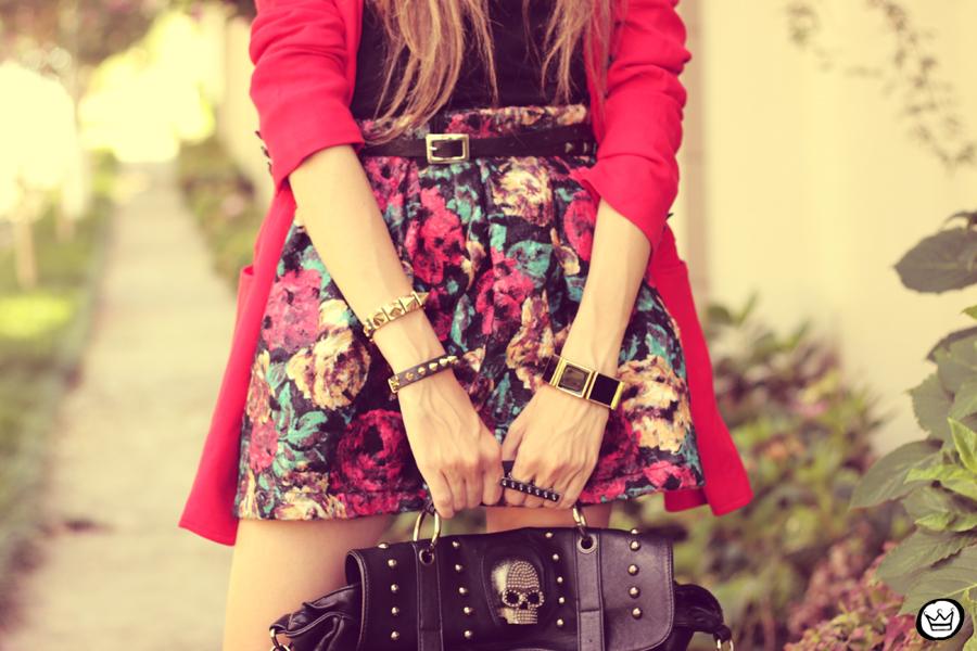 FashionCoolture - 28.01.2013 look du jour Awwdore skirt red hat Asos braceletes Kafé (3)