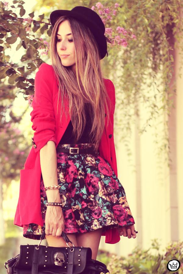 FashionCoolture - 28.01.2013 look du jour Awwdore skirt red hat Asos braceletes Kafé (5)