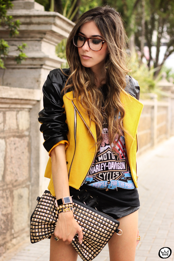 FashionCoolture - 04.02.2013 look du jour Choies jacket mustard riveted clutch Romwe t-shirt rock (2)