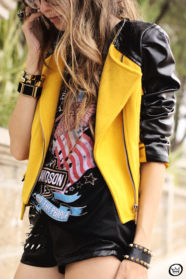 FashionCoolture - 04.02.2013 look du jour Choies jacket mustard riveted clutch Romwe t-shirt rock (3)