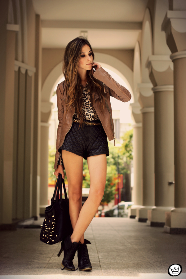 FashionCoolture - 05.02.2013 look du jour boda skins leather jacket shorts quilted spikes bag boots leopard (5)