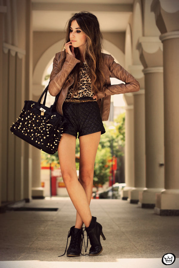 FashionCoolture - 05.02.2013 look du jour boda skins leather jacket shorts quilted spikes bag boots leopard (8)