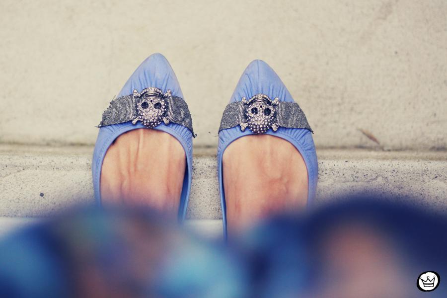 FashionCoolture - 06.12.2013 look du jour GrifeOn Romwe skirt blue jacket blogger Kafé (5)