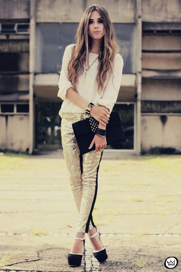 FashionCoolture - 07.02.2013 look du jour sequins pants Romwe clutch Boda Skins leather jacket Kafé Bracelets Asos (4)