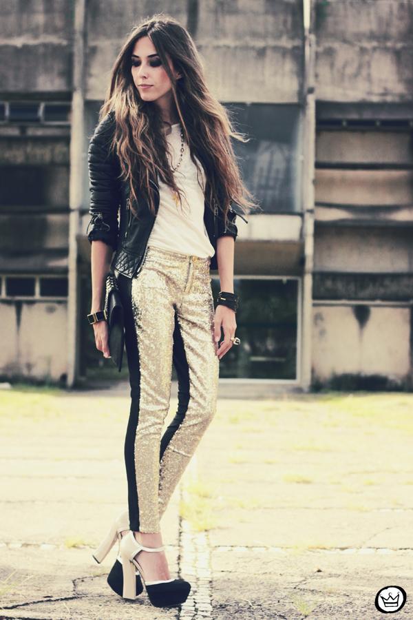 FashionCoolture - 07.02.2013 look du jour sequins pants Romwe clutch Boda Skins leather jacket Kafé Bracelets Asos (7)