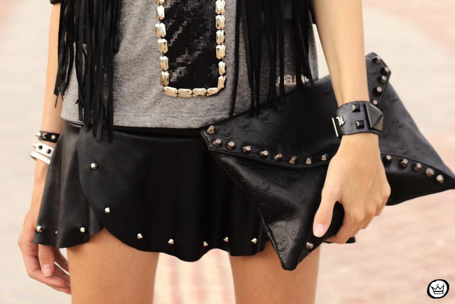 FashionCoolture - 16.02.2013 look du jour Labellamafia cross t-shirt Zara fringe  (8)