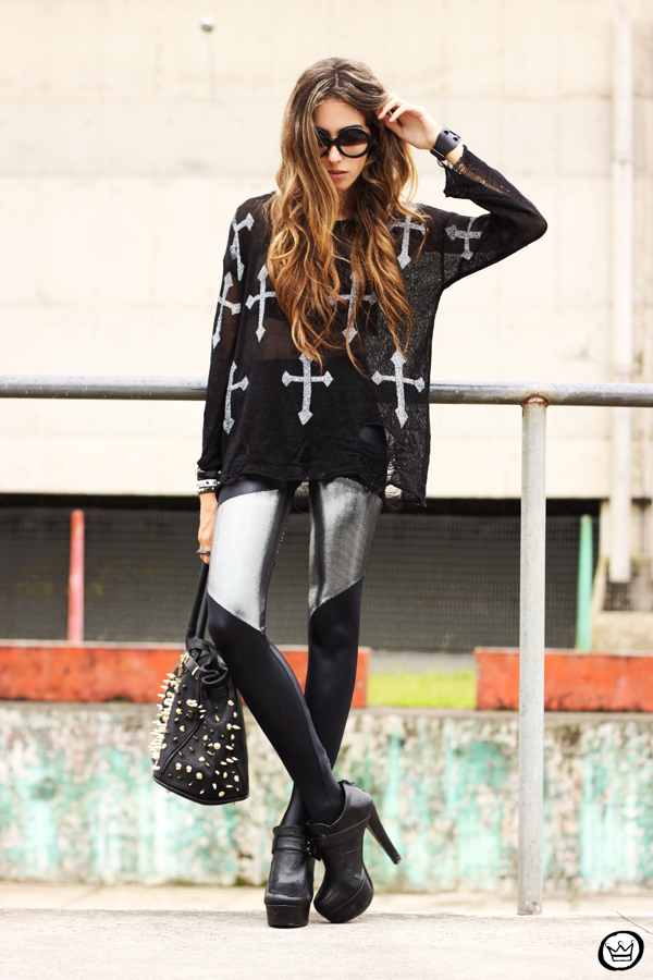 FashionCoolture - 24.02.2013 look du jour legging blackmilk cross jumper romwe sunglasses (1)