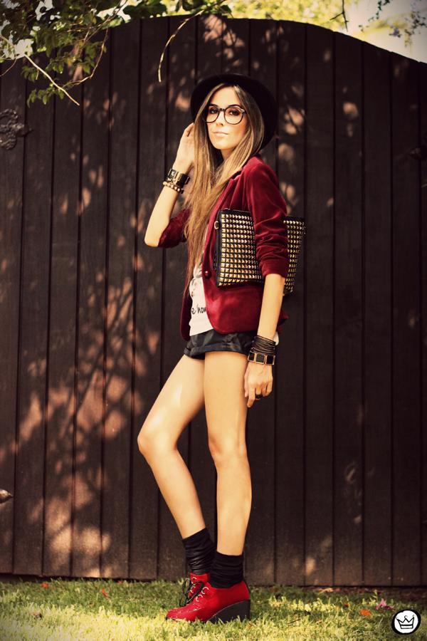 FashionCoolture - 26.02.2013 look du jour Aluska t-shirt velvet blazer renner creepers (8)