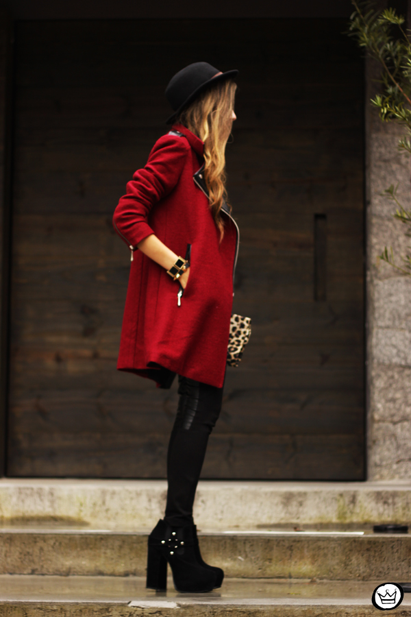 FashionCoolture - 06.03.2013 look du jour Choies burgundy coat leather pants leopard t-shirt rock (5)