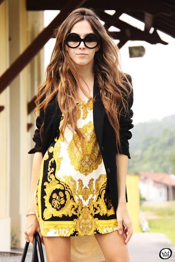 FashionCoolture - 08.03.2013 Farol Shopping liquidação bicolor preto e branco barroco t-shirt paris ysl arezzo promoção (2)