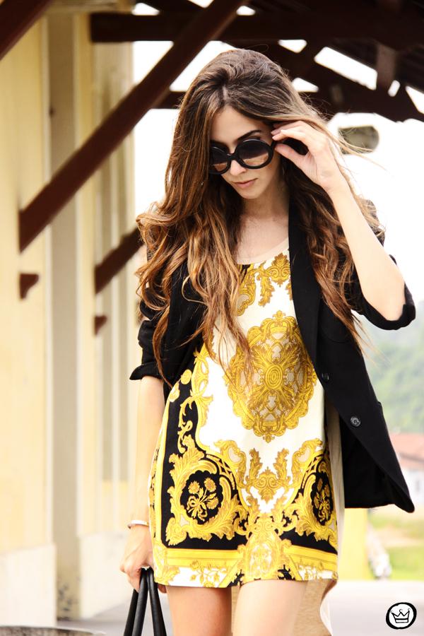 FashionCoolture - 08.03.2013 Farol Shopping liquidação bicolor preto e branco barroco t-shirt paris ysl arezzo promoção (4)