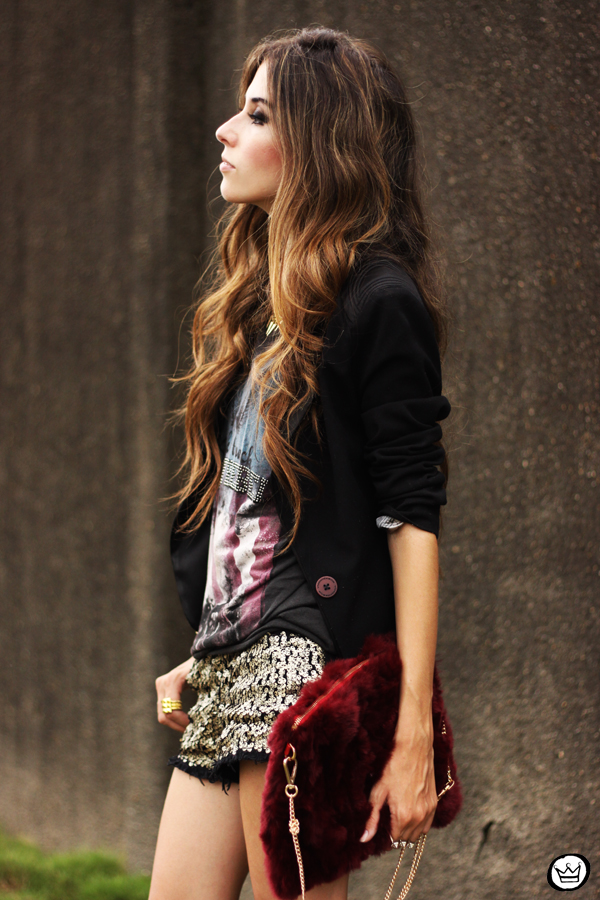 FashionCoolture 13.03.2013 look du jour sequins shorts rocker t-shirt Puloma blazer (6)