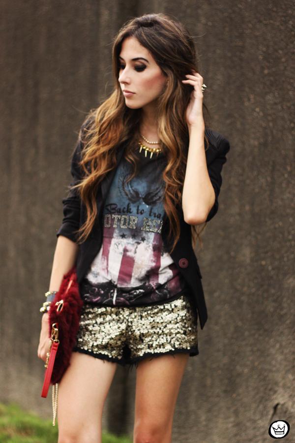 FashionCoolture 13.03.2013 look du jour sequins shorts rocker t-shirt Puloma blazer (7)