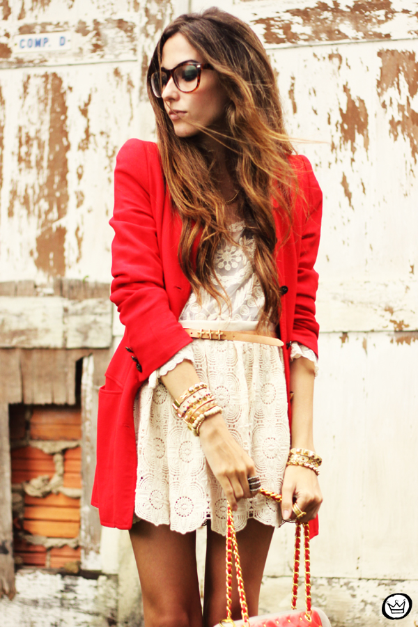 FashionCoolture 14.03.2013 look du jour lace goodnight macaroon red coat glasses blogger outfit fashion (5)