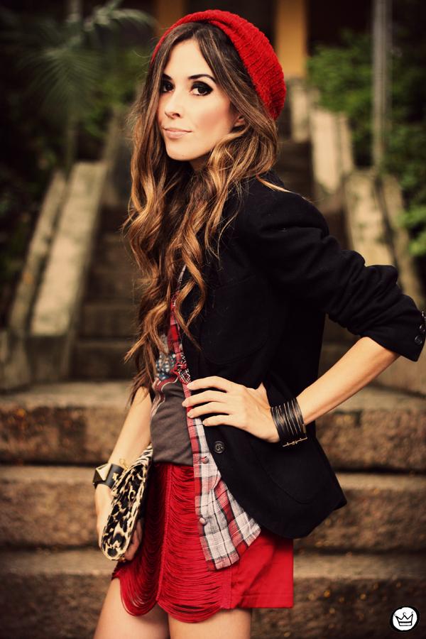 FashionCoolture - 18.03.2013 look du jour Morena Raiz rock chic t-shirt blazer (2)