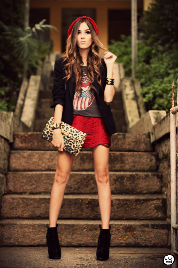 FashionCoolture - 18.03.2013 look du jour Morena Raiz rock chic t-shirt blazer (7)