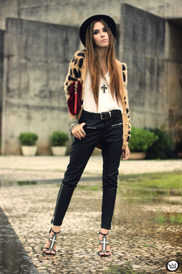 FashionCoolture - 20.03.2013 look du jour Awwdore leopard cardigan leather pants romwe schutz (7)