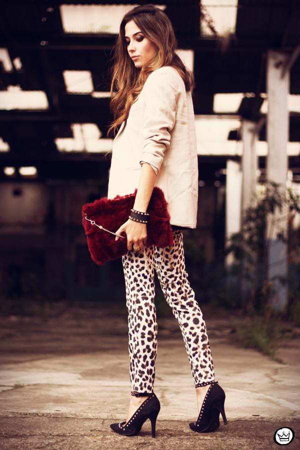 FashionCoolture - 26.03.2013 look du jour Charry leopard pants calça oncinha blazer t-shirt Asos Kafé (5)
