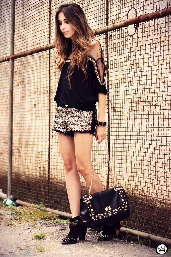 FashionCoolture - 04.04.2013 black gold sequins Lança Perfume Arezzo  Kafé outfit fashion (1)