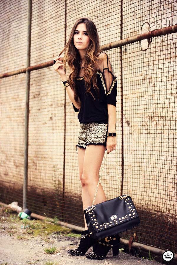 FashionCoolture - 04.04.2013 black gold sequins Lança Perfume Arezzo  Kafé outfit fashion (8)
