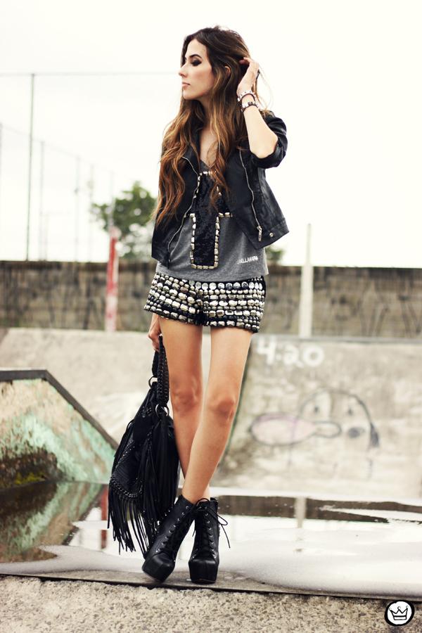 FashionCoolture - 05.04.2013 look du jour shorts bordado Xiquita Bakana Labellamafia Renner cruz jaqueta spikes (1)
