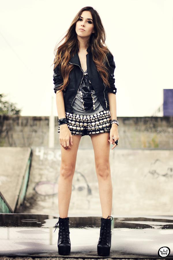 FashionCoolture - 05.04.2013 look du jour shorts bordado Xiquita Bakana Labellamafia Renner cruz jaqueta spikes (6)