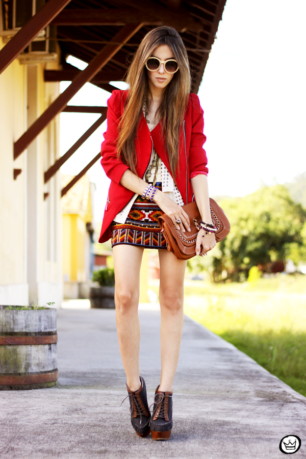 FashionCoolture - 06.04.2013 look du jour Chicwish ethnic blazer red Kafé outfit fashion blogger (1)