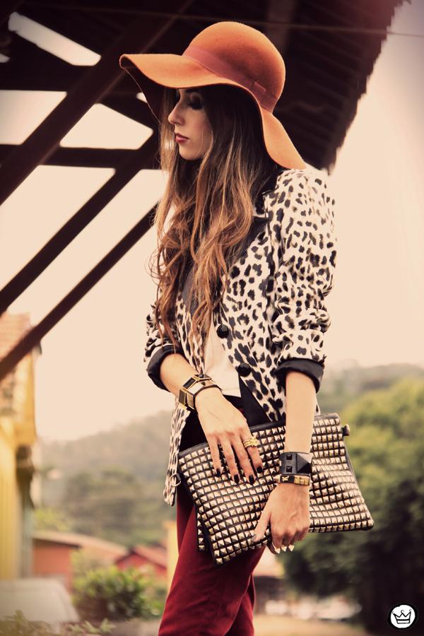 FashionCoolture - 13.04.2013 look du jour Charry blazer leopard calça Marisa Asos (2)