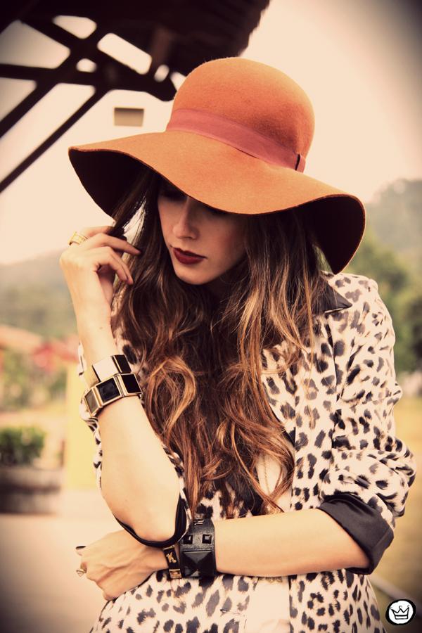 FashionCoolture - 13.04.2013 look du jour Charry blazer leopard calça Marisa Asos (3)
