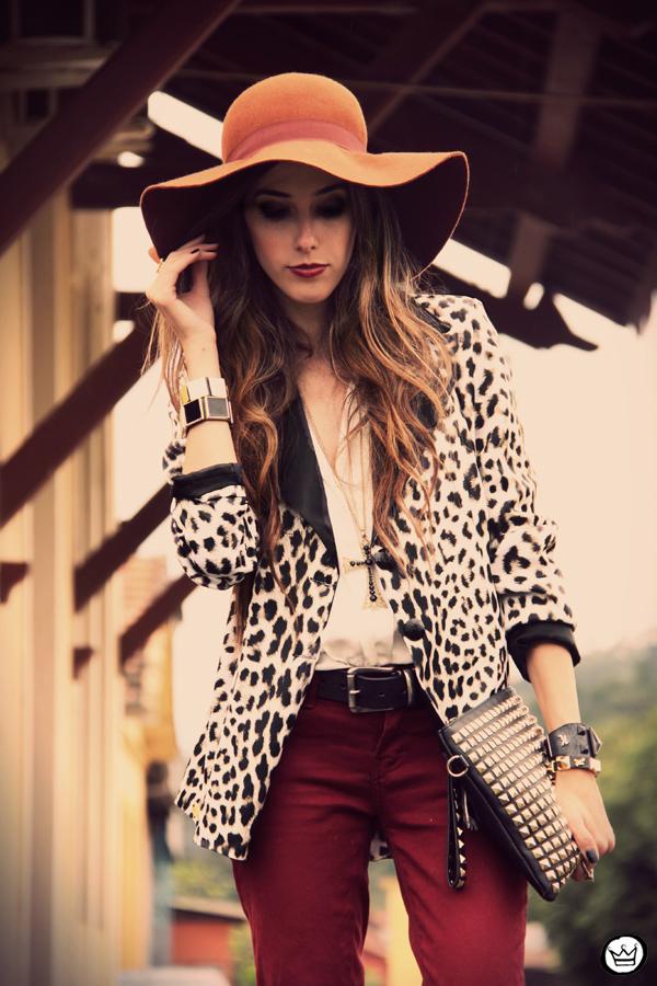 FashionCoolture - 13.04.2013 look du jour Charry blazer leopard calça Marisa Asos (5)
