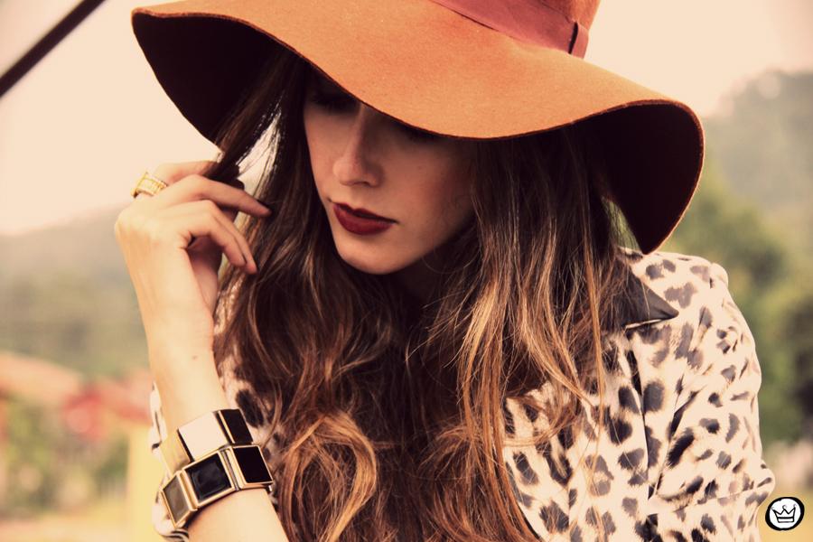 FashionCoolture - 13.04.2013 look du jour Charry blazer leopard calça Marisa Asos (6)