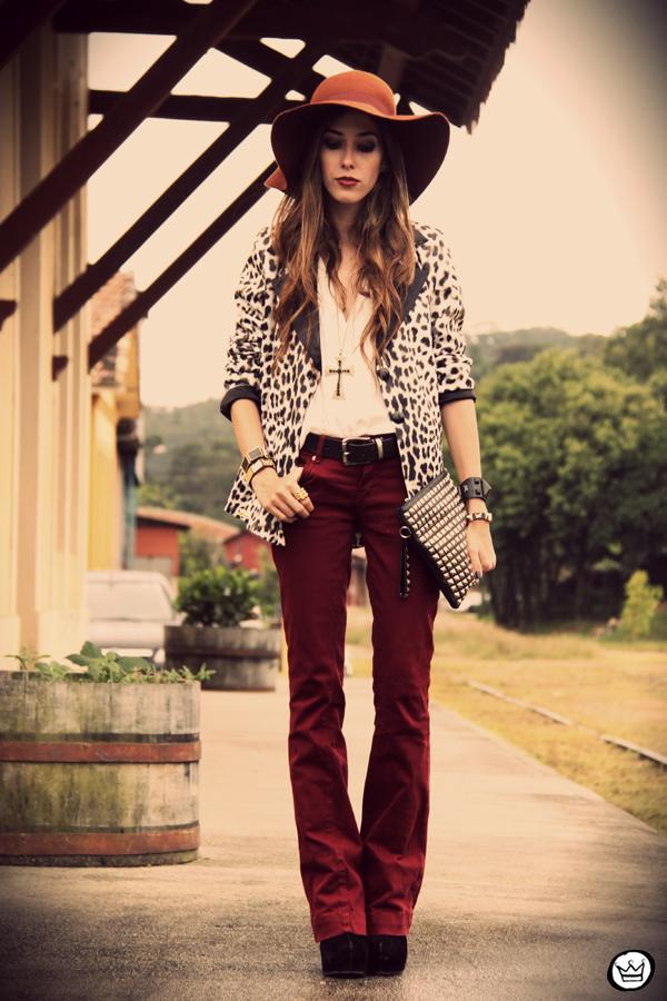 FashionCoolture - 13.04.2013 look du jour Charry blazer leopard calça Marisa Asos (7)