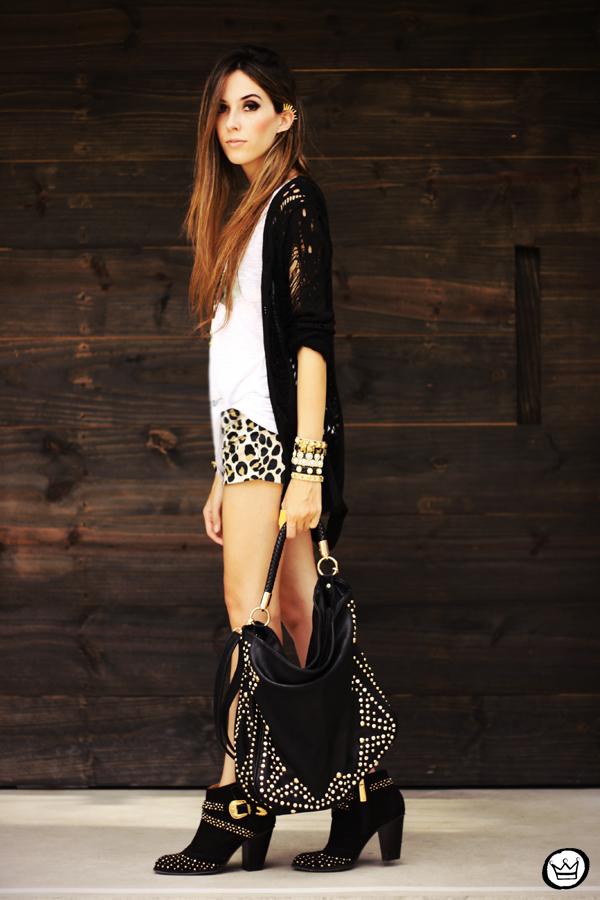 FashionCoolture - 23.04.2013 look du jour Gabriela Faraco ear cuff spikes Aluska t-shirt studded (1)
