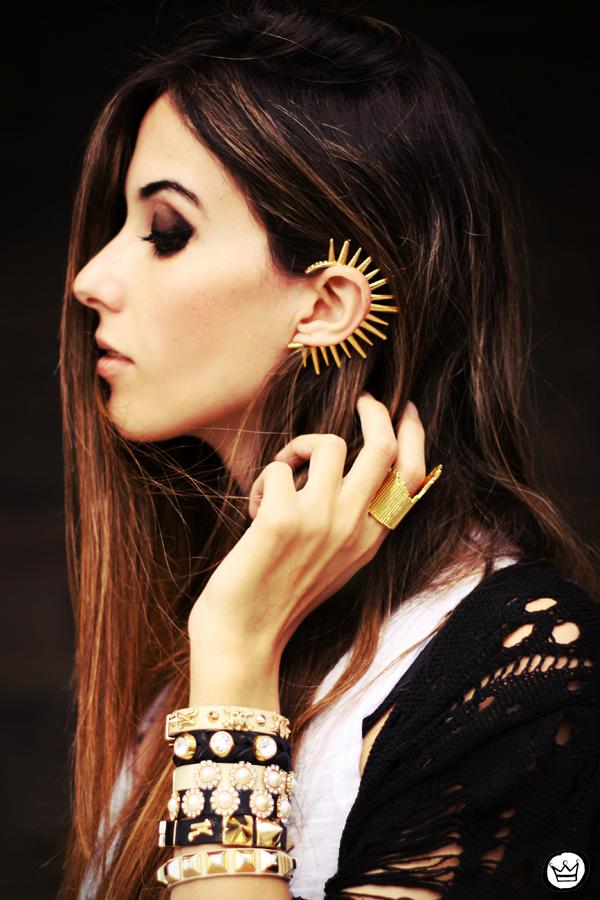 FashionCoolture - 23.04.2013 look du jour Gabriela Faraco ear cuff spikes Aluska t-shirt studded (3)